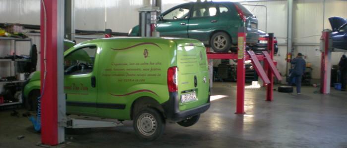De vanzare Service Auto cu showroom