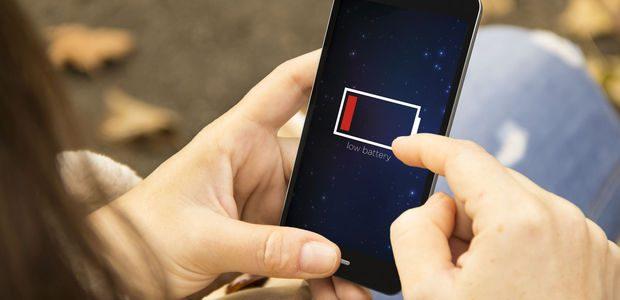 De ce se defecteaza bateriile smartphone-urilor, si cum se regenereaza acestea?